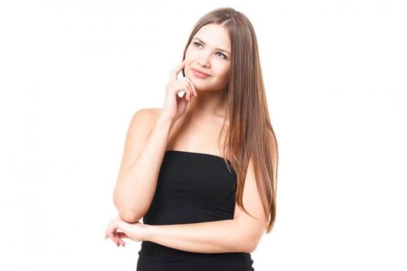 治験のフェーズを考える女性