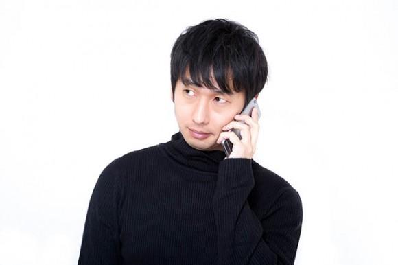 電話をする人イメージ