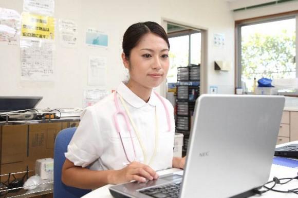 治験のアルバイトを管理するナースのイメージ